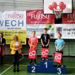 Nowech fundator nagród w zawodach pływackich